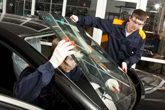 automotive body and glass repairers image