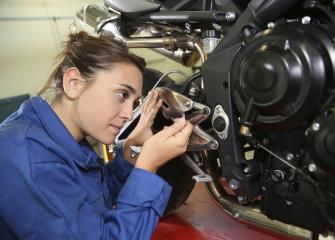 small engine mechanics image - Motorcycle Mechanic Job Description