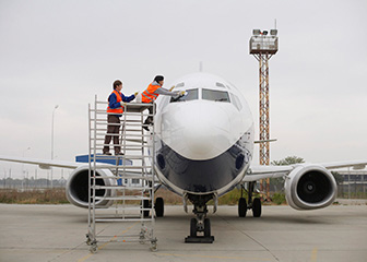 Aircraft and avionics equipment mechanics and technicians