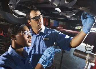 Auto Mechanic learn how to study in college