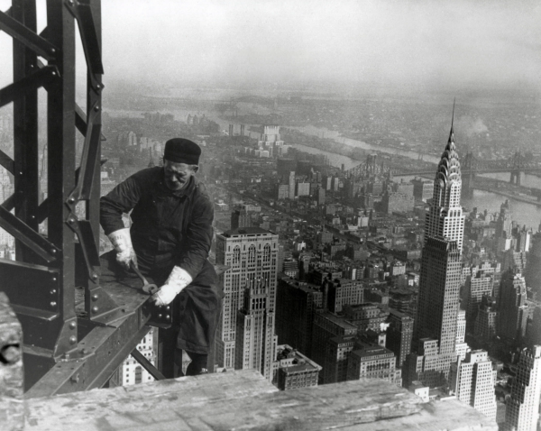 Imaage of construction worker, Empire State Building